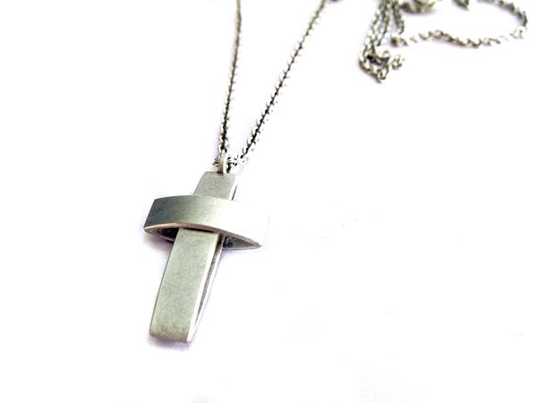 Breites Silberkreuz