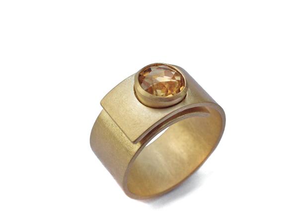 Wickelring aus Gold mit Citrin